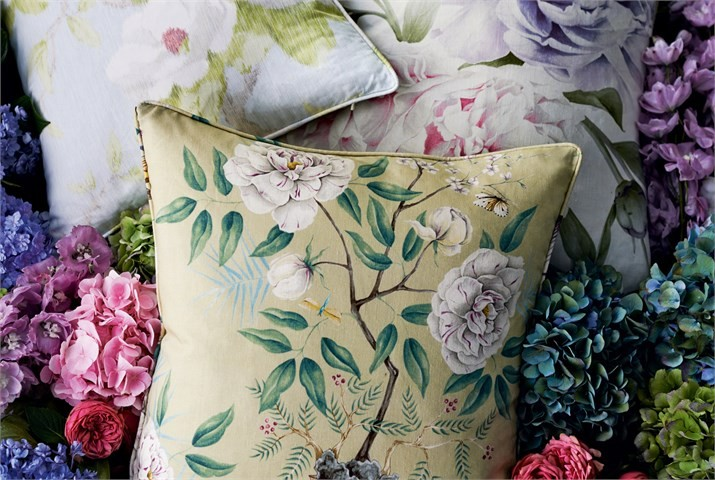 4-Collection-cushions-Fabric-with-flowers_lr